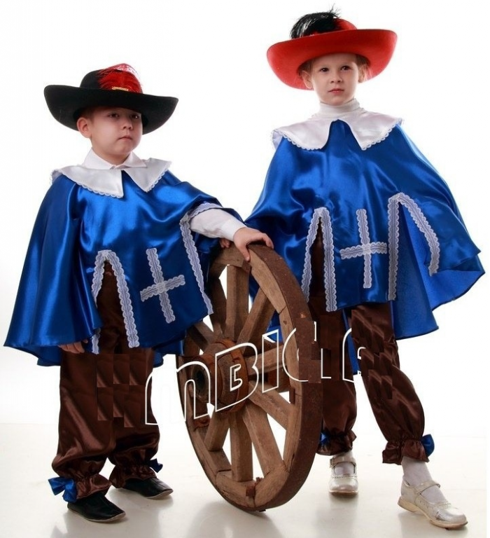 Как сшить костюм мушкетёра своими руками 3